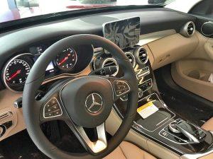 Mercedes C300 dash