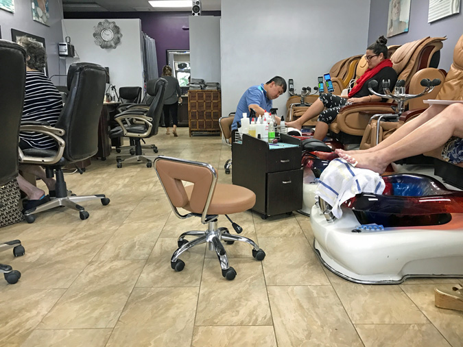 Hot Nails Salon is the Place for a Manicure in Kailua-Kona