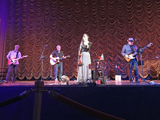 10,000 maniacs at crest