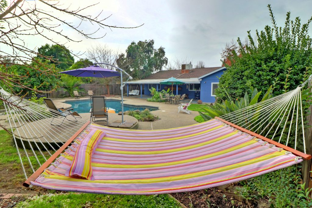 pool home in Greenhaven