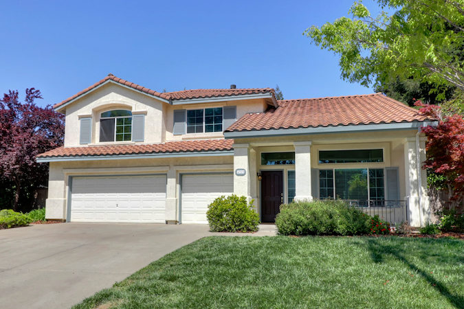 updated pool home in elk grove