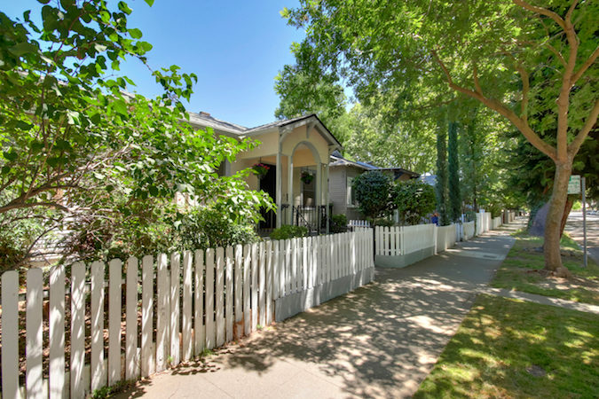 sacramento downtown bungalow