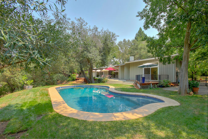 fair oaks pool home