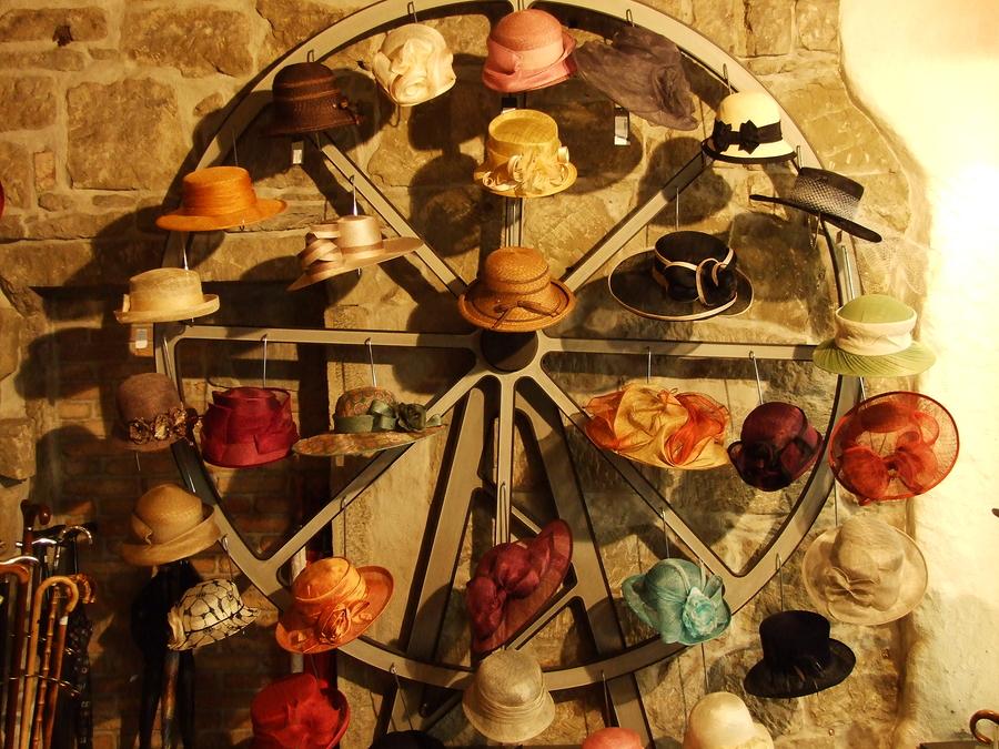 sacramento realtors try to wear too many hats